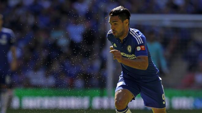 Falcao y Pato abandonan las filas del Chelsea