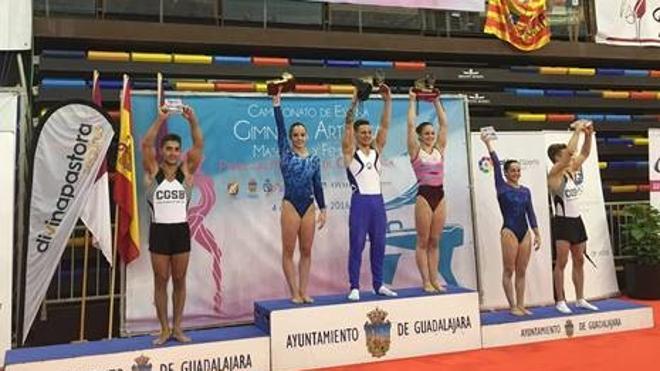 Claudia Colom, Helena Bonilla y Néstor Abad, campeones de España