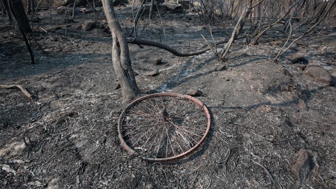Galicia recupera poco a poco la calma, con dos incendios próximos a poblaciones