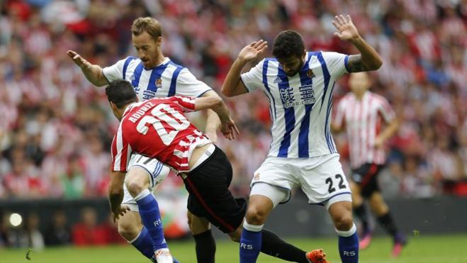 El Athletic remonta en un divertido derbi vasco