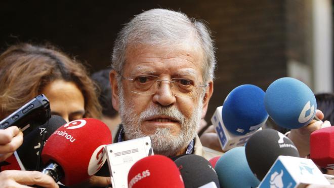 Ibarra pide que los diputados del PSOE que voten 'no' dimitan