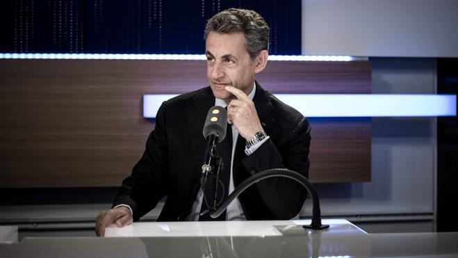 Sarkozy acusa a Juppé de venderse a los izquierdistas antes del debate televisivo