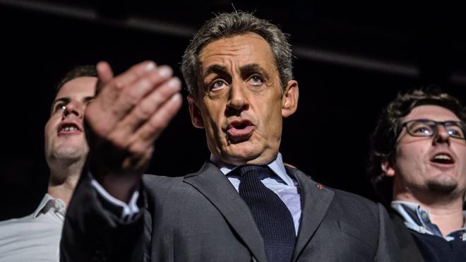 Sarkozy rechaza sustituir el cerdo en los menús escolares y propone una «doble ración de patatas»