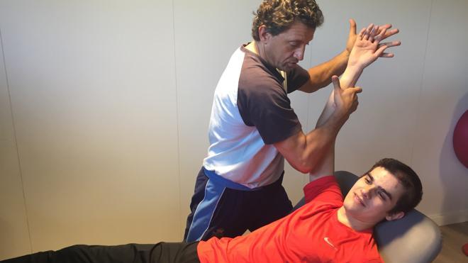 Hortelano enseña su mano reconstruida