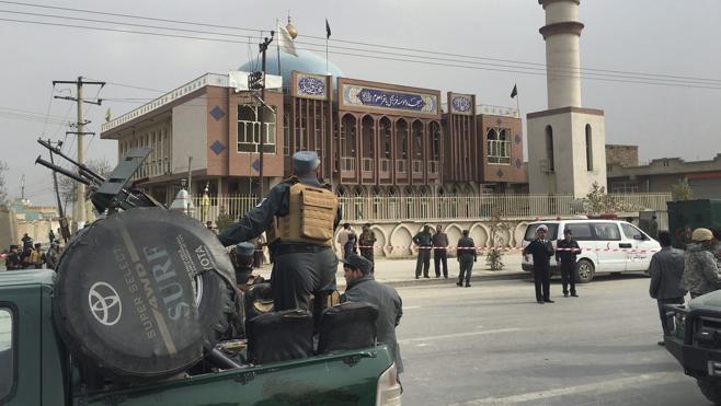 El Daesh reivindica el atentado contra una mezquita que ha dejado 32 muertos en Kabul
