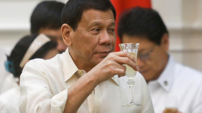 Duterte reconoce que él mismo mató a delincuentes cuando era alcalde de Davao
