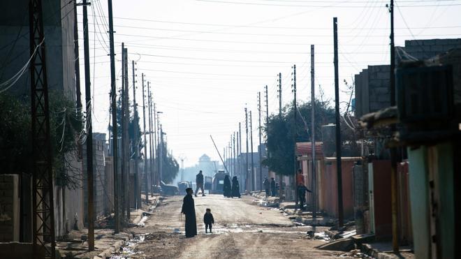 Daesh expulsa a residentes de Mosul y quema sus casas ante el avance del Ejército iraquí