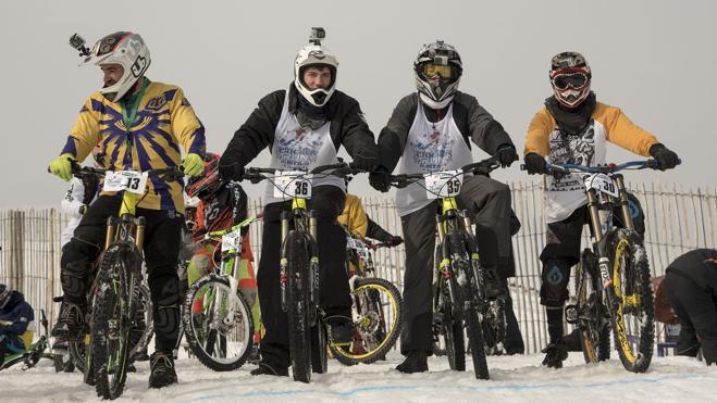 Las carreras de bicis llegan a la nieve