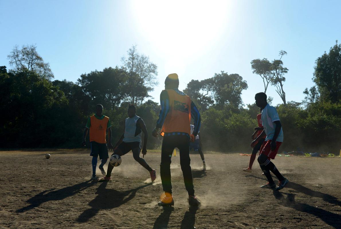 Ser futbolista en un suburbio de Kenia por un puñado de chelines