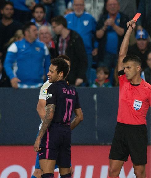 Neymar aplaudió al cuarto árbitro tras su expulsión | Diario Sur