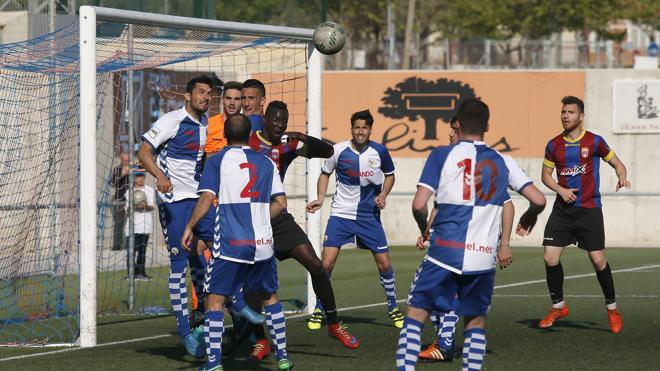 El Eldense, goleado por el Sabadell en su semana más convulsa