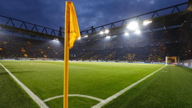 El Dortmund-Mónaco se aplaza al miércoles por la explosión