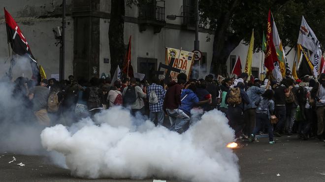 Vandalismo e incidentes empañan una huelga general que no ha paralizado Brasil