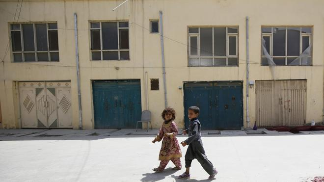 Matan a una alemana y a un guarda afgano y secuestran a una finlandesa en Kabul