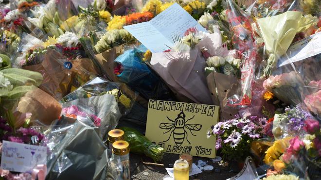 El suicida de Mánchester llamó a su madre para pedirle «perdón»
