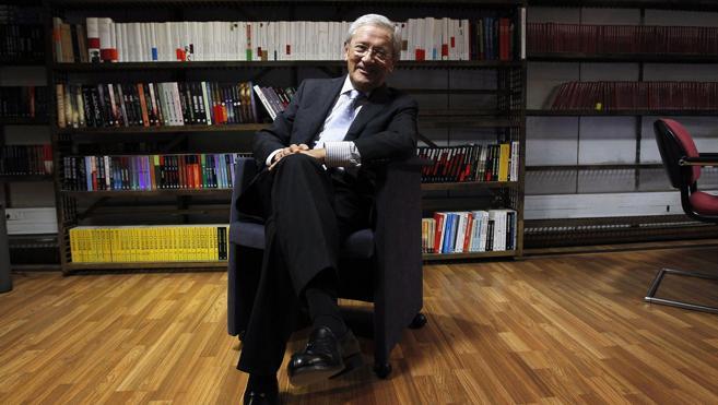 Fernando Ónega: «España está en la crisis de los 40»