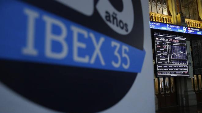 El Ibex-35 encaja el fiasco de May con una subida del 0,23%