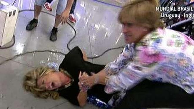 Un accidente en directo de Lydia Lozano da el gran susto a Sálvame