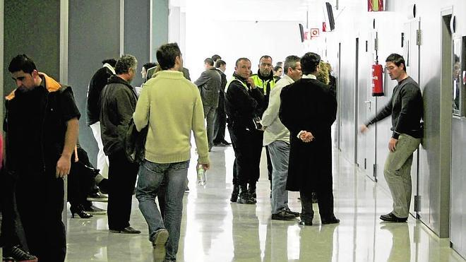Los abogados empiezan a marcharse de los juicios por las deficiencias en Justicia