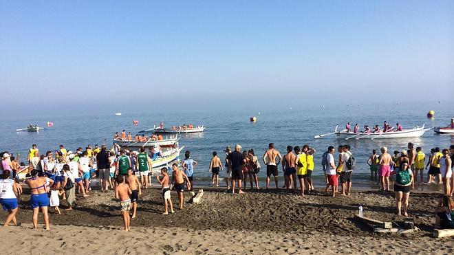 'La Chora' domina la jornada de regatas de jábegas en el Rincón de la Victoria