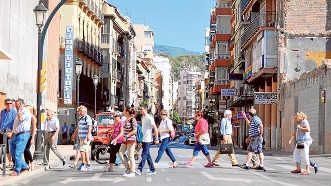 Dejar en un solo sentido la calle Victoria gusta a vecinos, comerciantes y políticos