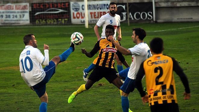 Gran victoria de El Palo ante el San Roque (1-2)