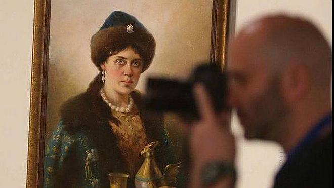 De la Torre, satisfecho con la acogida del Museo Ruso, con un millar de visitas en cinco horas