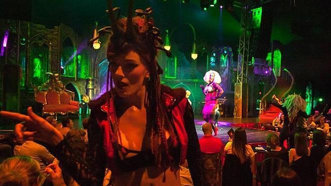 Cabaret Maldito toma el relevo provocador de The hole este verano en Málaga