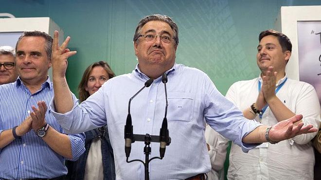 El recuento de votos en Sevilla sigue parado con un concejal decisivo de diferencia entre PP y PSOE