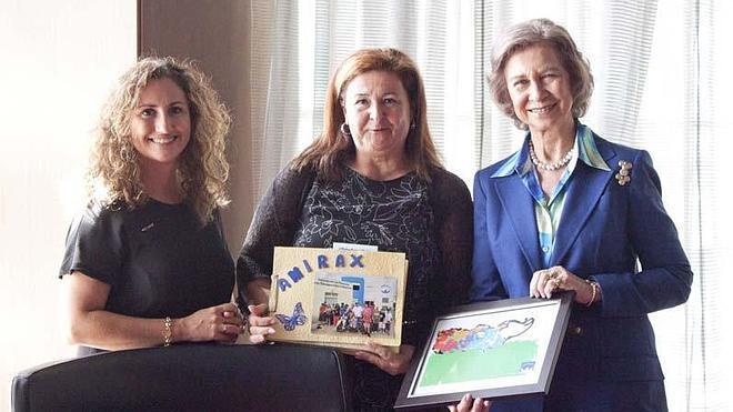 La Reina Sofía recibe a Amirax en su visita a Málaga y le muestra su apoyo en sus proyectos futuros