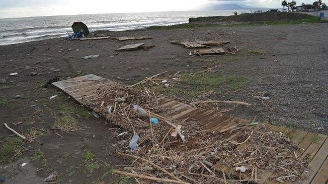 Cifran en 837.000 euros los daños por el temporal en las playas de la Axarquía