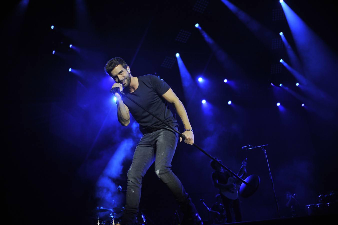 Pablo Alborán opta a tres galardones en la gala de los Grammy latinos 2015