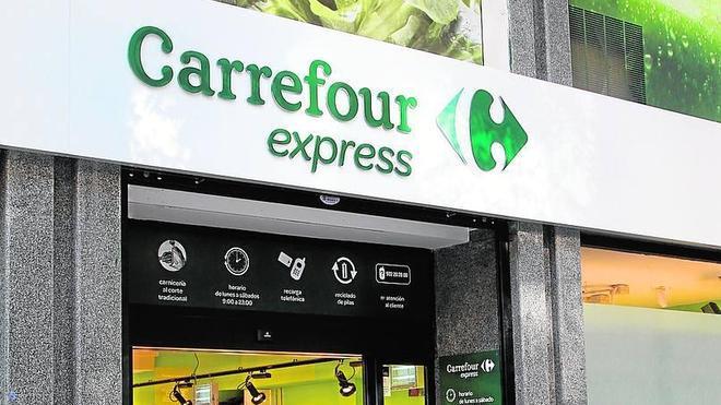 Carrefour cierra 2015 con doce tiendas express en Málaga