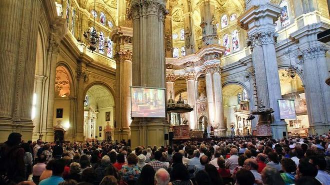 La Catedral de Málaga instalará un sistema para que personas sordas oigan misa