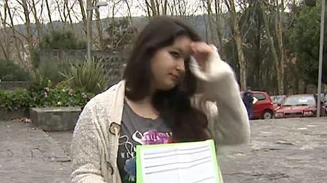 Denuncian a un profesor de Santiago de Compostela por supuestos comentarios sobre el escote de una alumna