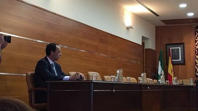 Dimite el edil del PP que facilitó el acuerdo con el partido de Martín Serón