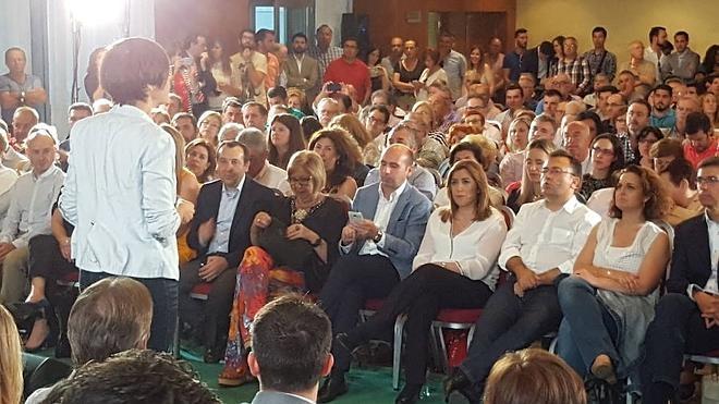 """Díaz presenta al PSOE como el único garante de las políticas sociales frente """"al mentiroso"""" de Rajoy"""