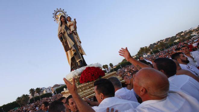 Málaga rinde homenaje a la reina del mar