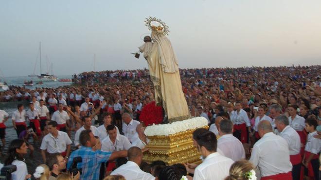 Málaga revive hoy su fervor por la Virgen del Carmen, Patrona del mar