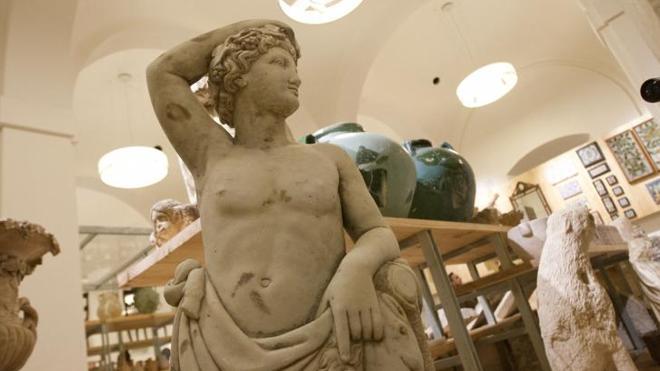 El Museo de la Aduana duplica su plantilla a tres semanas de su inauguración