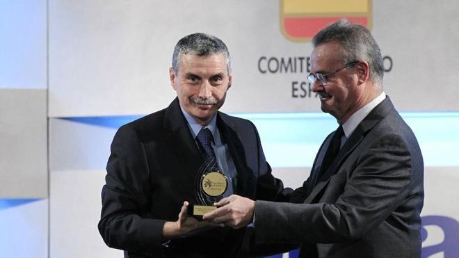 El empresario nerjeño Enrique López Cuenca, reelegido como vicepresidente primero de la Real Federación Española de Atletismo