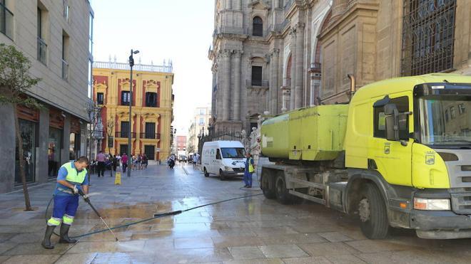 Los malagueños piden más limpieza en los barrios