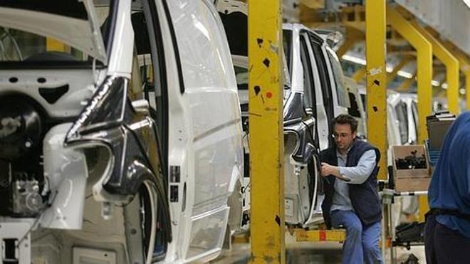 Hacienda estudia endurecer el impuesto de matriculación para 830.000 coches, según el sector