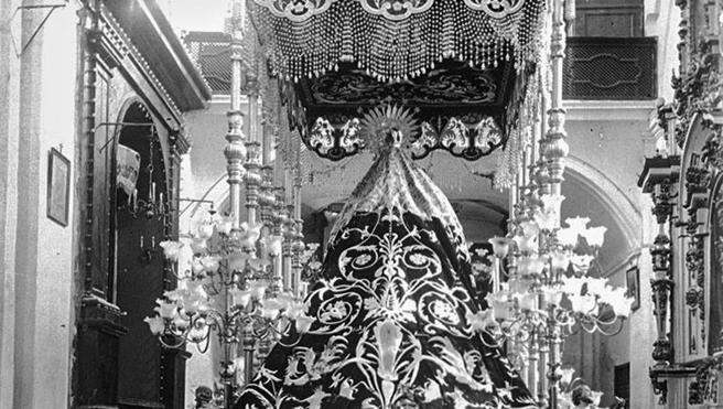 La procesión de la Cofradía de la Expiración en el año 1928