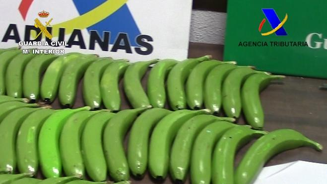 Dos detenidos en Málaga y Valencia por introducir cocaína escondida dentro de bananas falsas