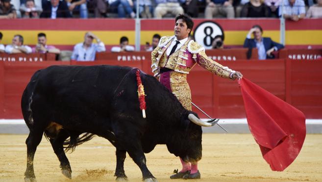 El Cordobés, Francisco Rivera y el Arqueño torearán en Vélez