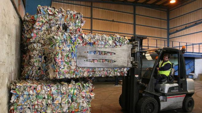 Málaga, lejos de cumplir el objetivo europeo de reciclar el 50% de los residuos en 2020
