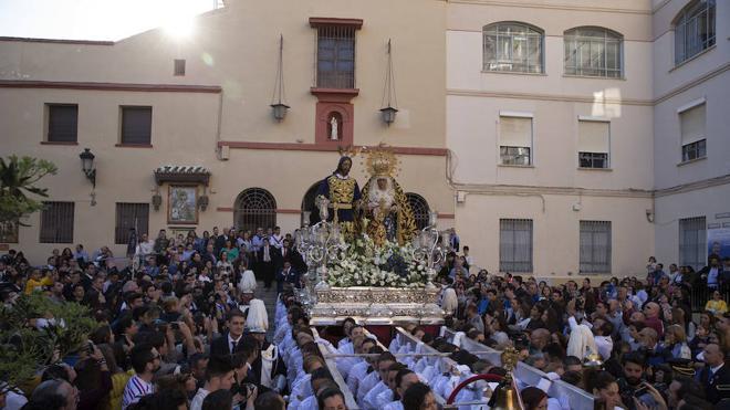 Málaga vive con pasión el domingo de traslados