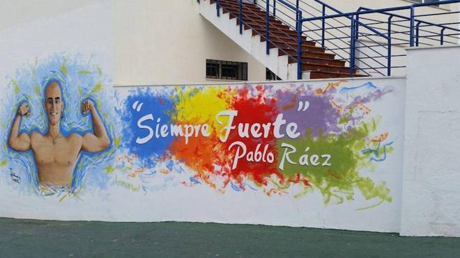 Manilva recuerda a Pablo Ráez en su polideportivo