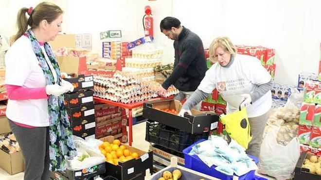 Los supermercados Maskom inician una recogida de alimentos para Bancosol
